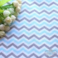 Бязь,крупный зигзаг серо-голубого цвета на белом фоне(цена указана за отрез 40*50см)