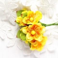Цвет яблони жёлтый 3,5 см